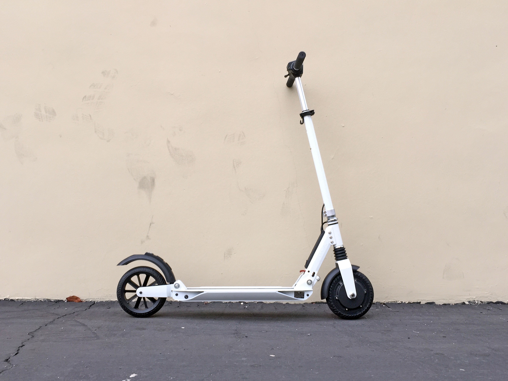 e twow booster electric kick scooter review electric. Black Bedroom Furniture Sets. Home Design Ideas