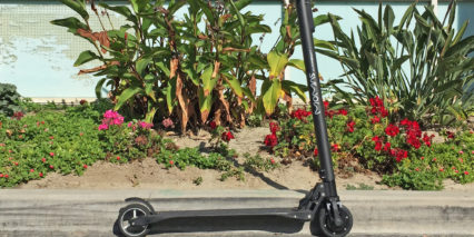 Momas Carbon Electric Kick Scooter Review