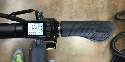 Momas E Scooter 1 0 Backlit Display Panel Trigger Throttle